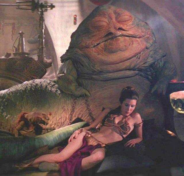 Leia_Sleeps_by_Jabba